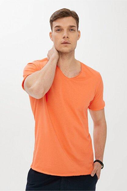 Kiğılı Erkek Açık Turuncu V Yaka Slim Fit Tişört