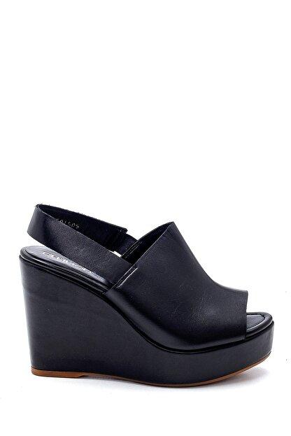 Derimod Kadın Siyah Deri Dolgu Topuk Sandalet