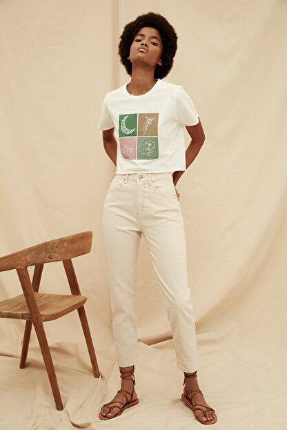 TRENDYOLMİLLA Ekru Yüksek Bel %100 Organik Pamuk Mom Jeans TWOSS21JE0302