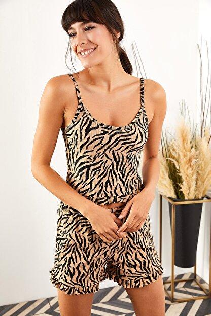 Olalook Kadın Zebra Askılı Fırfırlı Pijama Takımı TKM-19000076