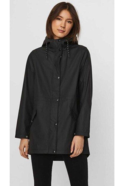 Vero Moda Kadın Siyah Beli Büzmeli Kapüşonlu Yağmurluk