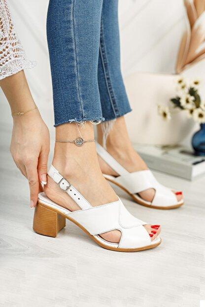 Diego Carlotti Kadın Beyaz Hakiki Deri Topuklu Sandalet