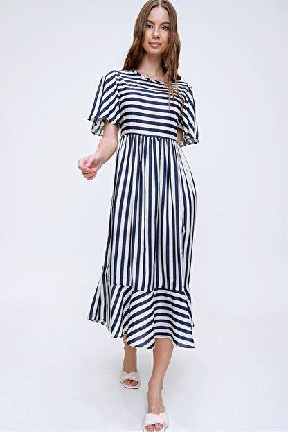 Trend Alaçatı Stili Kadın Ekru Çizgili Etek Ucu Volanlı Dokuma Elbise ALC-X6051