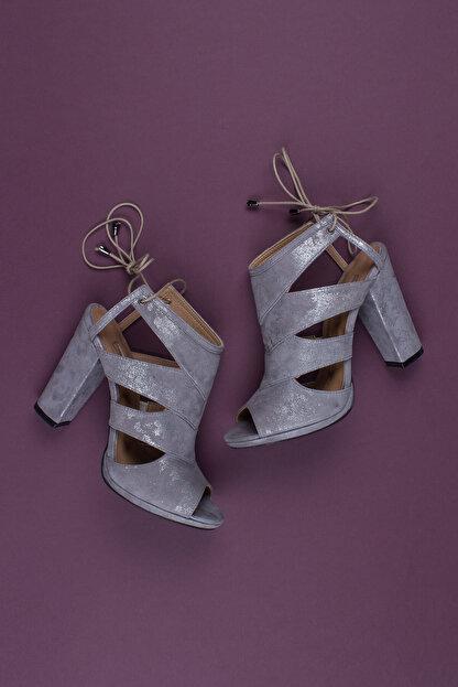 Deripabuc Hakiki Deri Gri Nubuk Kadın Topuklu Deri Ayakkabı Dp04-6300