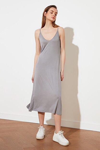 TRENDYOLMİLLA Gri Askılı Örme Elbise TWOSS19VG0313