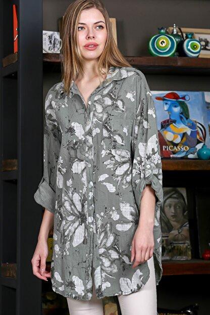 Chiccy Kadın Yeşil İtalyan Çiçek Desenli 3/4 Kol Ayarlı Yanı Yırtmaçlı Tunik Gömlek M10010400GM99439