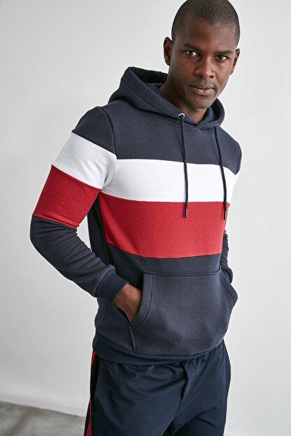 TRENDYOL MAN Lacivert Erkek Slim Fit Kapüşonlu Panelli Kanguru Cepli Sweatshirt TMNAW20SW0284