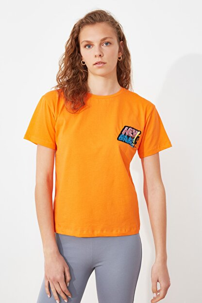 TRENDYOLMİLLA Turuncu Baskılı Semifitted Örme T-Shirt TWOSS21TS2534