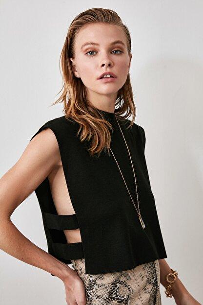 TRENDYOLMİLLA Siyah Yanı Bant Detaylı Triko Süveter Bluz TWOAW20BZ0929