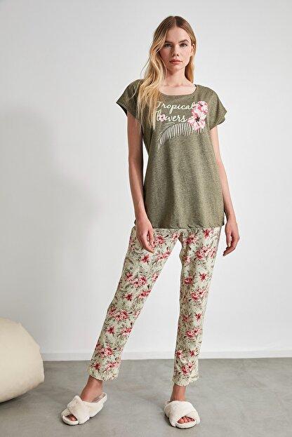 TRENDYOLMİLLA Çiçek Desenli Örme Pijama Takımı THMSS20PT0083