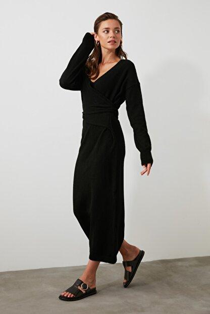 TRENDYOLMİLLA Siyah Kruvaze Bağlamalı Triko Elbise TWOAW21EL0260
