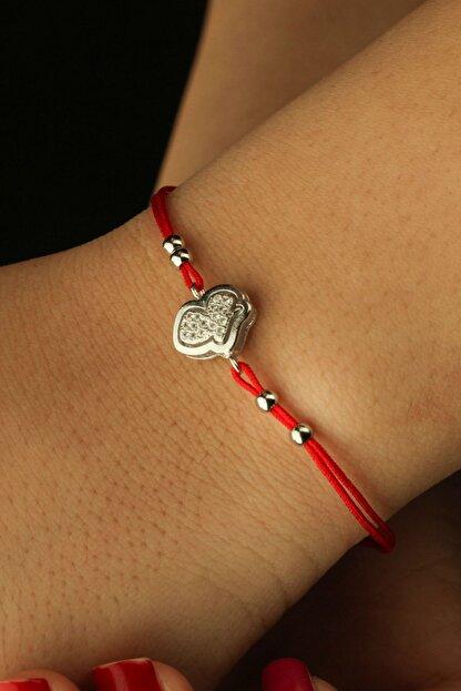 Estiva Kadın Kırmızı İpli Kalp Figürlü İnce Gümüş Bileklik