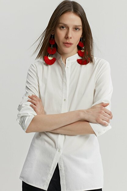 Yargıcı Kadın Kırık Beyaz Bağlama Detaylı Gömlek 9KKGM6160X