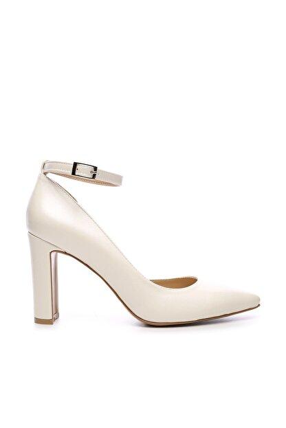 Kemal Tanca Beyaz Kadın Vegan Klasik Topuklu Ayakkabı 22 319 BN AYK