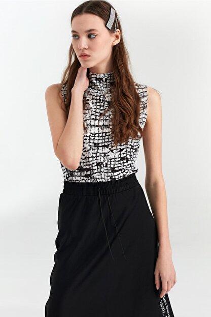 Twist Kadın Siyah Desenli Tshirt TS1200070052001