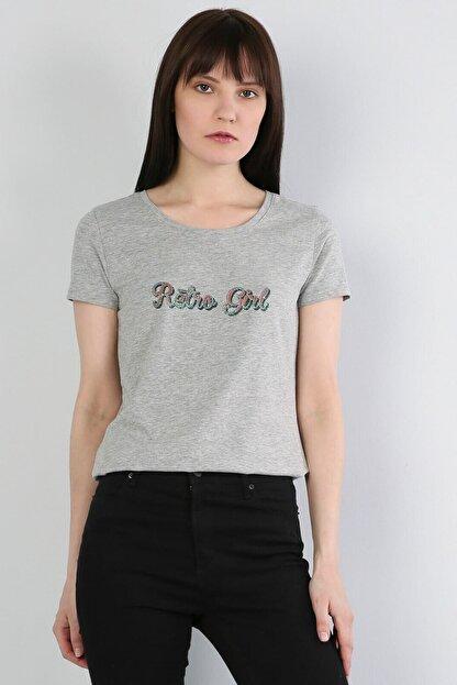Colin's Dar Kesim Geniş Yaka Baskılı Gri Melanj Kadın Kısa Kol Tişört