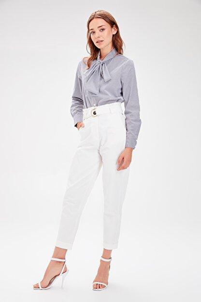 TRENDYOLMİLLA Beyaz Kemerli Pantolon TWOAW20PL0051