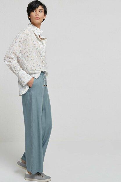 Yargıcı Kadın Nil Yeşili Biye Detaylı Pantolon 9KKPN3128X