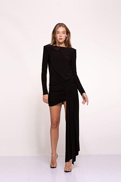 Tuba Ergin Kadın Siyah Asimetrik Etek Detaylı Sırt Dekolteli Mini Berta Elbise 1