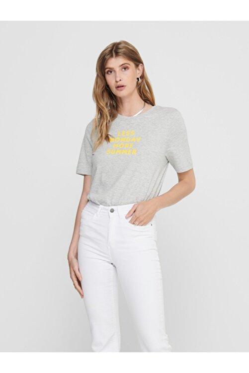 Only Kadın Gri Önü Yazılı Pamuklu Kısa Kollu T-Shirt 15208549 ONLCLARA 1