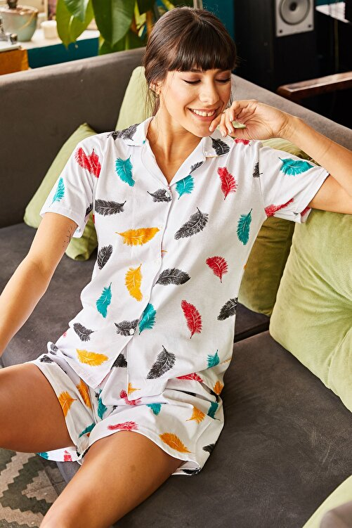 Olalook Kadın Ekru Tüy Şortlu Pijama Takımı PJM-00000017 2