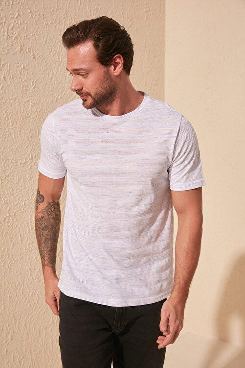TRENDYOL MAN Beyaz Erkek Slim Fit Bisiklet Yaka T-Shirt TMNSS20TS0076 2