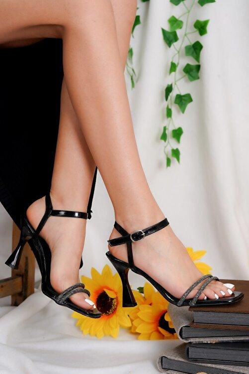 Öncerler Ayakkabı Kadın Siyah Simli Topuklu Ayakkabı 1