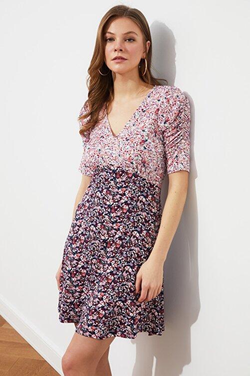 TRENDYOLMİLLA Çok Renkli V Yaka Örme Elbise TWOSS21EL4123 2
