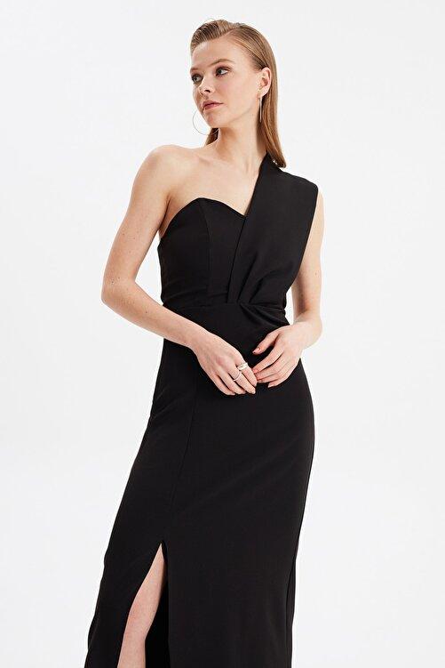 TRENDYOLMİLLA Siyah Yaka Detaylı Abiye & Mezuniyet Elbisesi TPRSS21AE0185 2