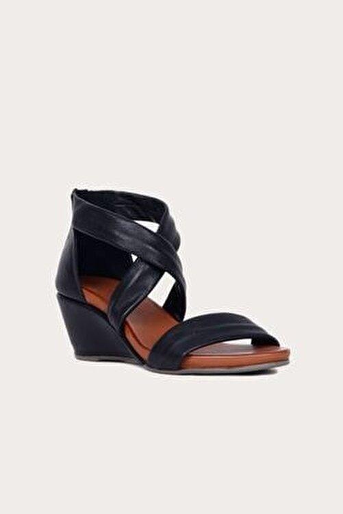 Bueno Shoes Kadın Bueno Siyah Deri Dolgu Topuklu Sandalet 2