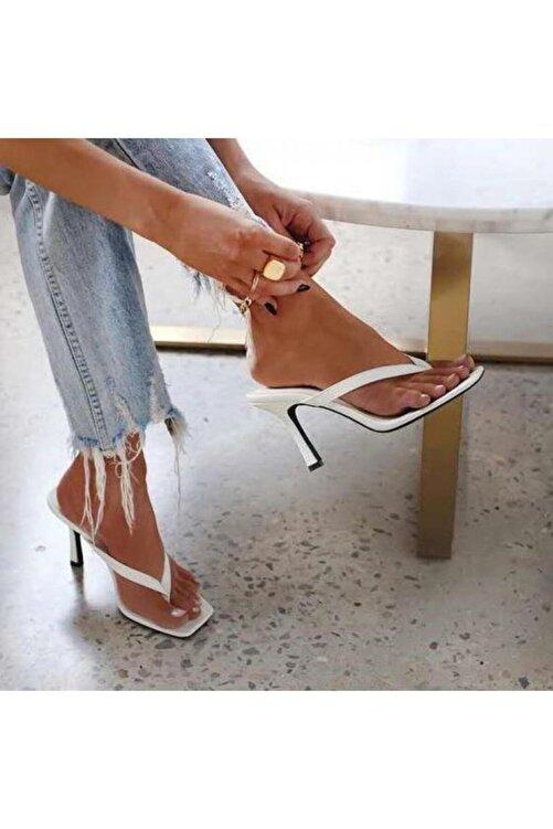 TrendyAnka Kadın Beyaz 10cm Topuklu Parmak Arası Küt Kare Burunlu Stiletto Ayakkabı Terlik Sandalet 1