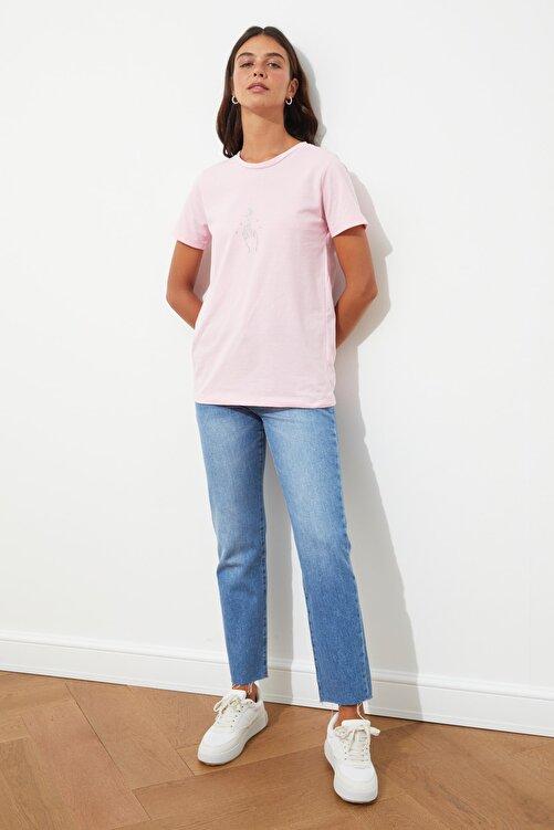 TRENDYOLMİLLA Pembe Nakışlı Basic Örme T-Shirt TWOSS20TS0553 1