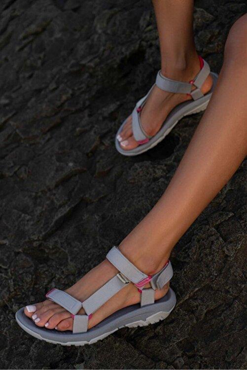 Beyond Kadın Gri Step Cırtlı Trekking Sandalet 1