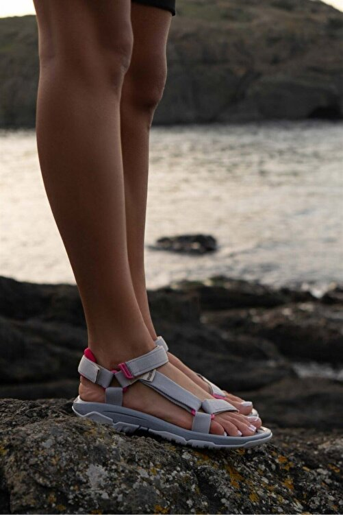 Beyond Kadın Gri Step Cırtlı Trekking Sandalet 2