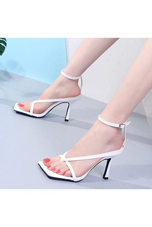 TrendyAnka Kadın Beyaz 10cm Topuklu Küt Kare Burunlu Parmak Arası Tokalı Ayakkabı Sandalet Terlik 2