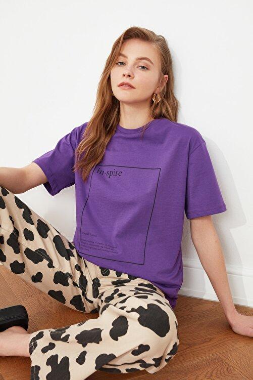 TRENDYOLMİLLA Mor Baskılı Boyfriend Örme T-Shirt TWOSS20TS0755 2