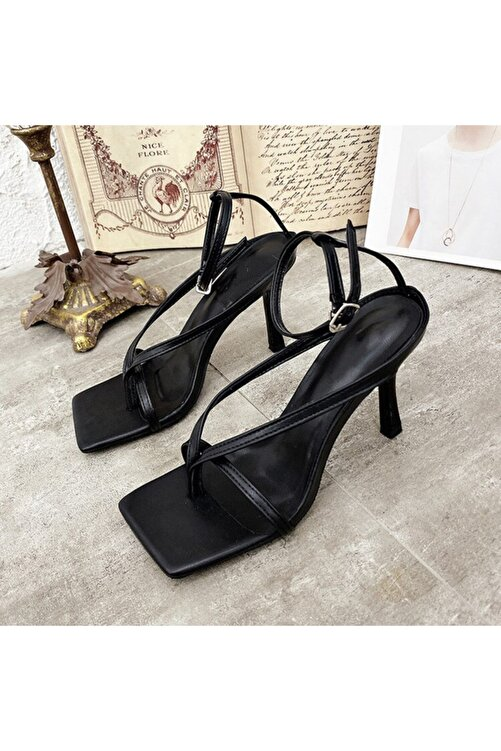 TrendyAnka Kadın Siyah 10cm Topuklu Küt Kare Burunlu Parmak Arası Tokalı Ayakkabı Sandalet Terlik 2