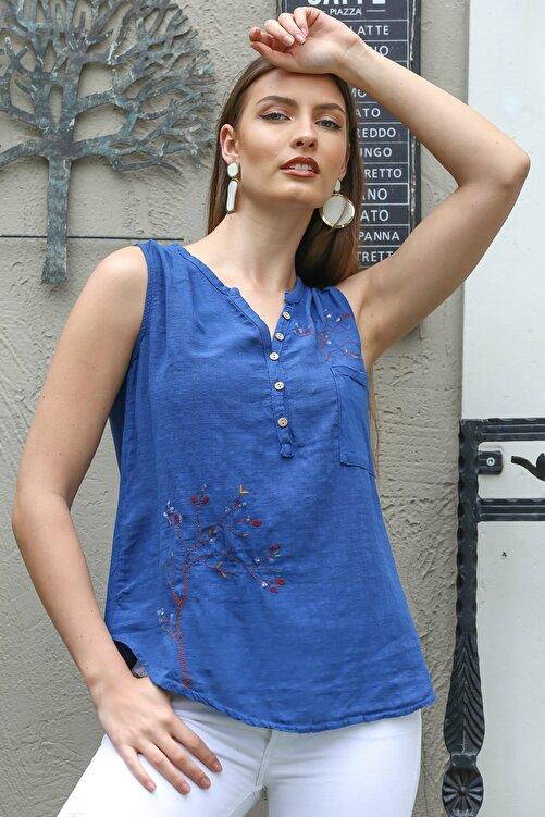 Chiccy Kadın Mavi Patı Düğme Detaylı Ağaç Nakışlı Kolsuz Dokuma Bluz M10010200BL95303 2