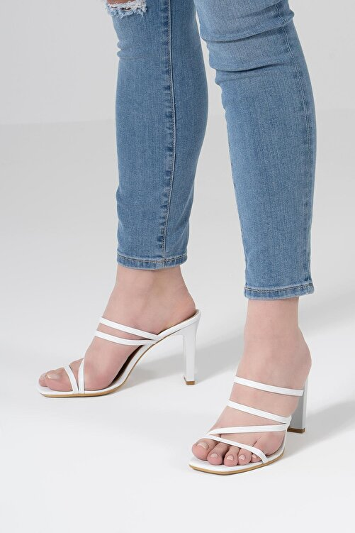 CZ London Kadın Beyaz İnce Bantlı Dikdörtgen Topuklu Sandalet 2