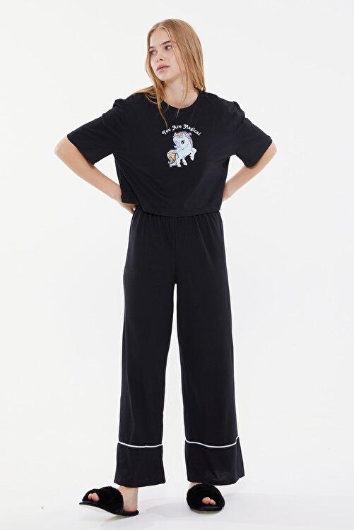 TRENDYOLMİLLA Siyah Baskılı Örme Pijama Takımı THMSS21PT0953 2