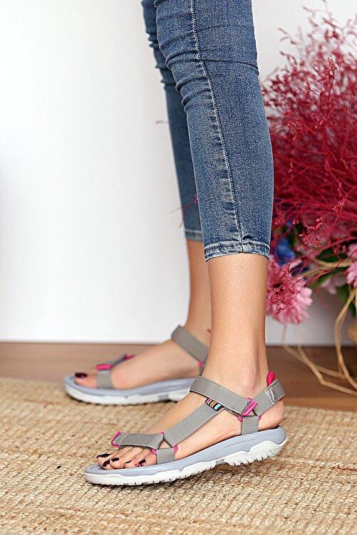 Pembe Potin Kadın Gri Sandalet 2