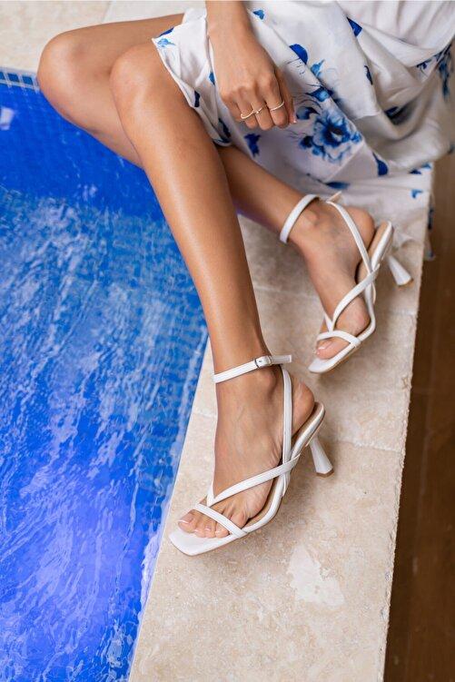 ANGELİNA JONES Boyence Beyaz Kadin Topuklu Parmak Arasi Sandalet 1