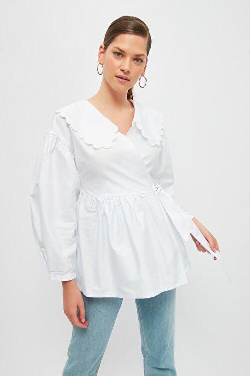 Trendyol Modest Beyaz Bebe Yaka Tesettür Ceket TCTSS21CE0428 1