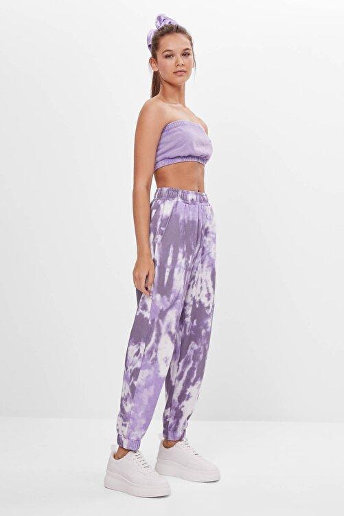 Bershka Kadın Mor Batik Desenli Jogging Fit Pantolon 05226831 1