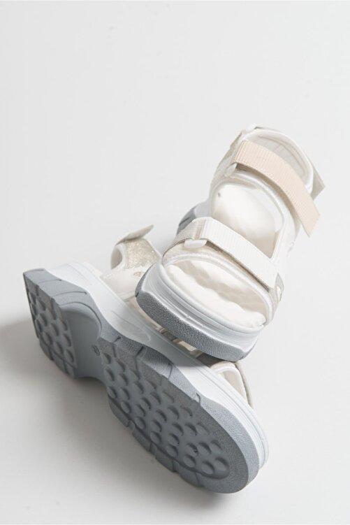 LuviShoes Kadın Beyaz Rugan Sandalet 2