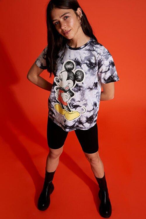 DeFacto Mickey Mouse Lisanslı Batik Oversize Fit Kısa Kollu Tişört 2