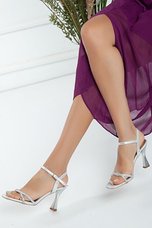 GULT Kadın Gümüş Sedef İnce Topuklu Yazlık Taş İşlemeli Ayakkabı Zerafet 2