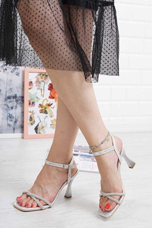 Lmn Abiye Kadın Gümüş Ince Pırlanta Taşlı Bilekten Tokalı Klasik Topuklu Ayakkabı 2