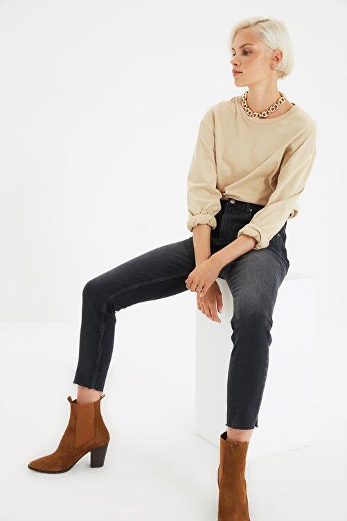 TRENDYOLMİLLA Siyah Paçası Kesikli Yüksek Bel Slim Fit Jeans TWOSS21JE0014 1