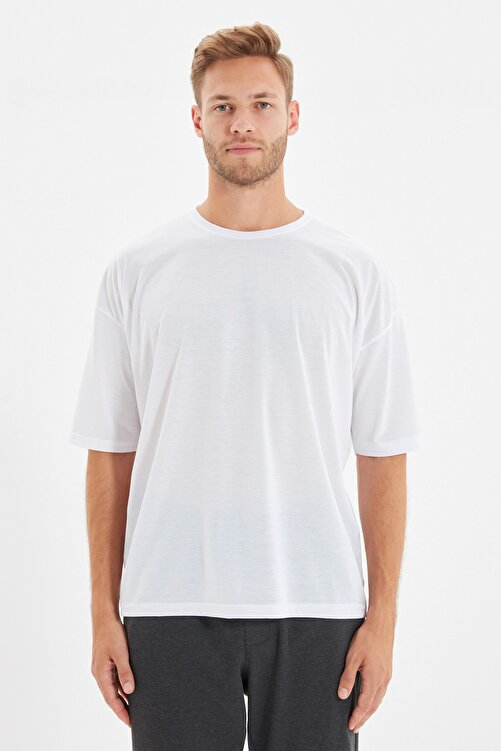 TRENDYOL MAN Beyaz Basic Erkek Bisiklet Yaka Oversize Kısa Kollu T-Shirt TMNSS21TS0811 1